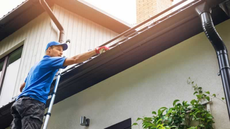 Home maintenance guide - cleaning gutters