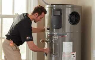 How To Choose A 50 Gallon Water Heater - servicing