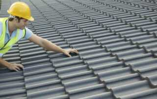 How To Choose A Suitable And Reliable Roofing Company For Your Needs - roofer