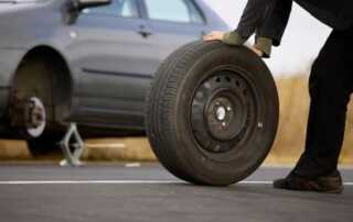 How to change your car tyre the easy way - tyre