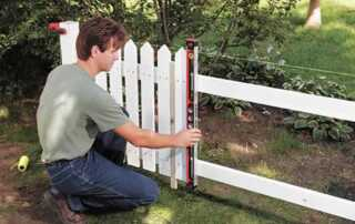 How to install a wood fence - building fence