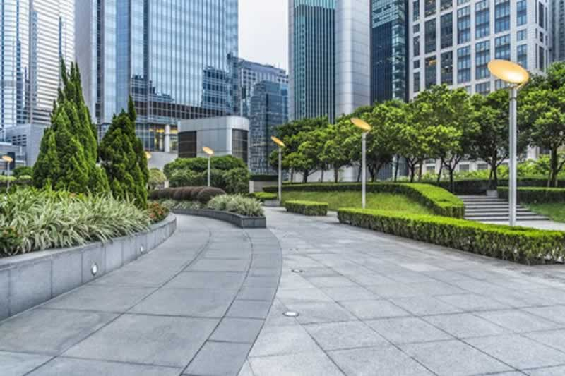 Maintaining Your Business Exterior - landscaping