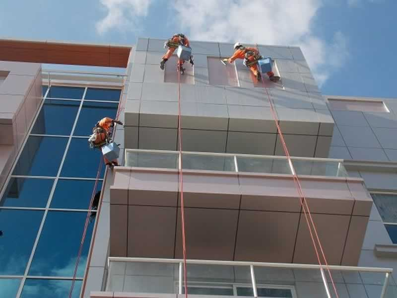 Maintaining Your Business Exterior