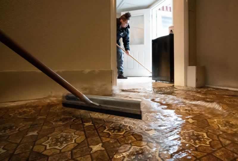 Mistakes To Avoid When Dealing With Home Water Damage - water