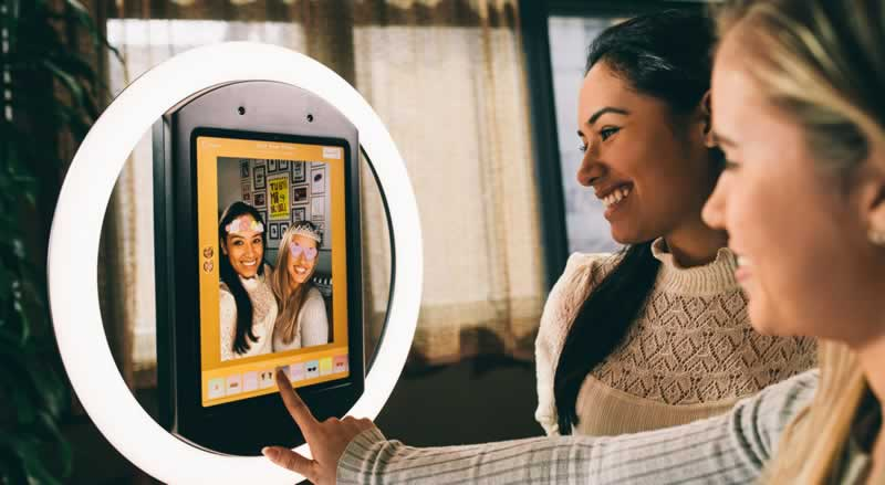 Using Digital Virtual Photo Booths for Trendy Online Events