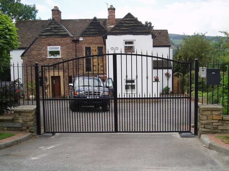 What Happens With Your Automatic Gates When The Power Goes Off