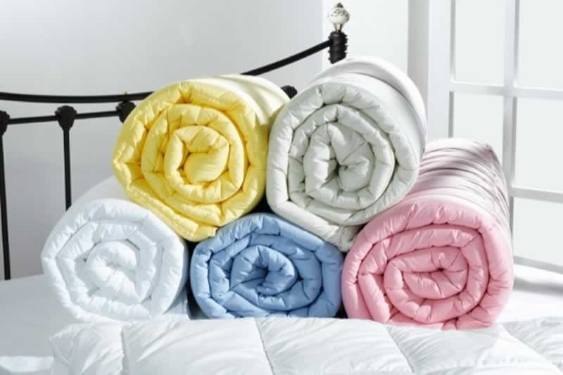 What is the difference between duvet and quilt covers