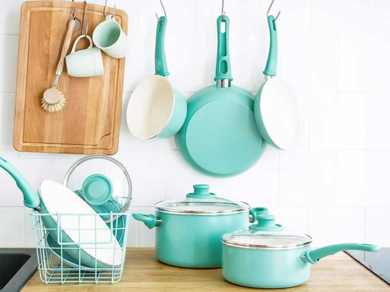 Why Ceramic Cookware is Better Than Stainless Steel Cookware