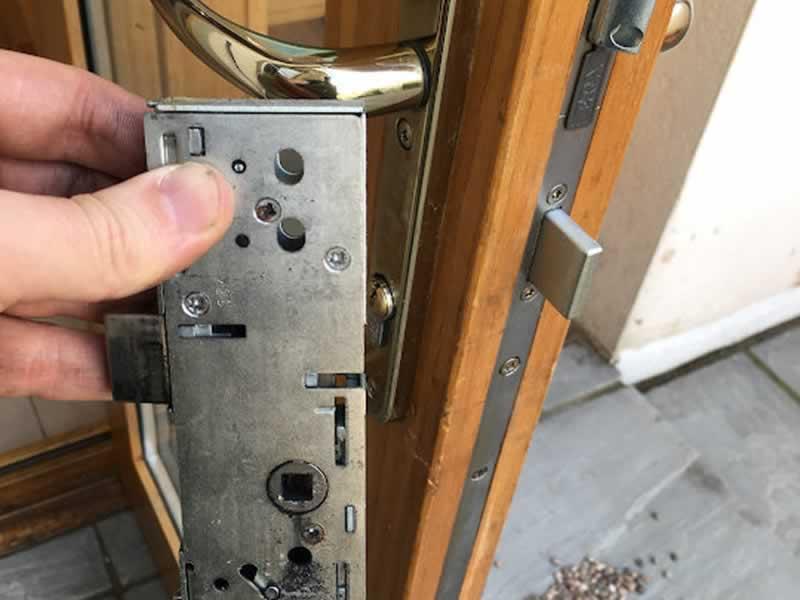 3 door lock problems you can't ignore - lock mechanism