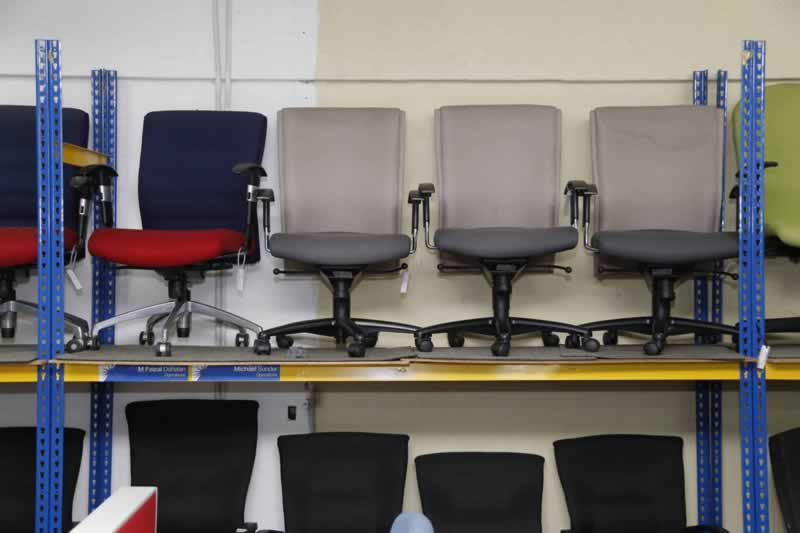 5 Reasons to Schedule Professional Junk Removal For Your Office - office junk