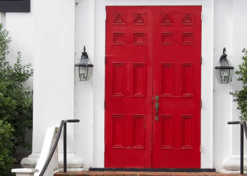 7 Important Tips To Remember On How To Easily Sell Your House - front door