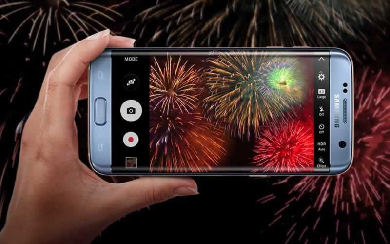 7 Pro Tips to Take Better Pictures with Ease - fireworks picture