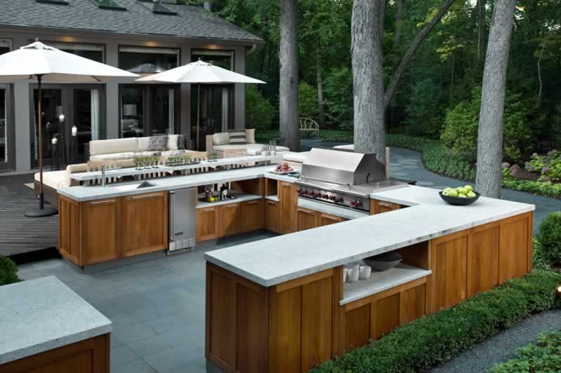 Creating an Outdoor Kitchen in Your Yard - amazing outdoor kitchen