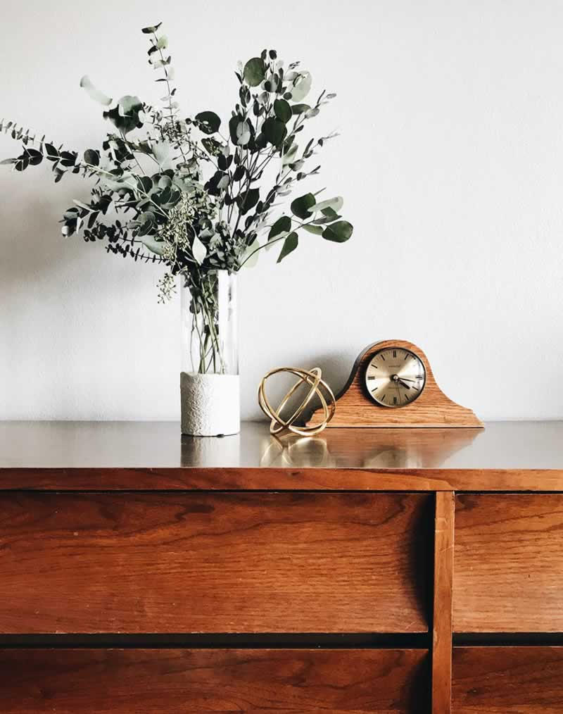 Essential Oils to Wooden Surfaces - polish