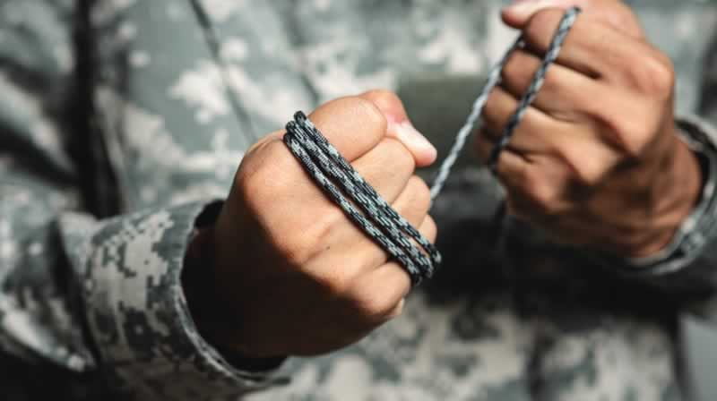 How to Cut a Paracord Without a Knife