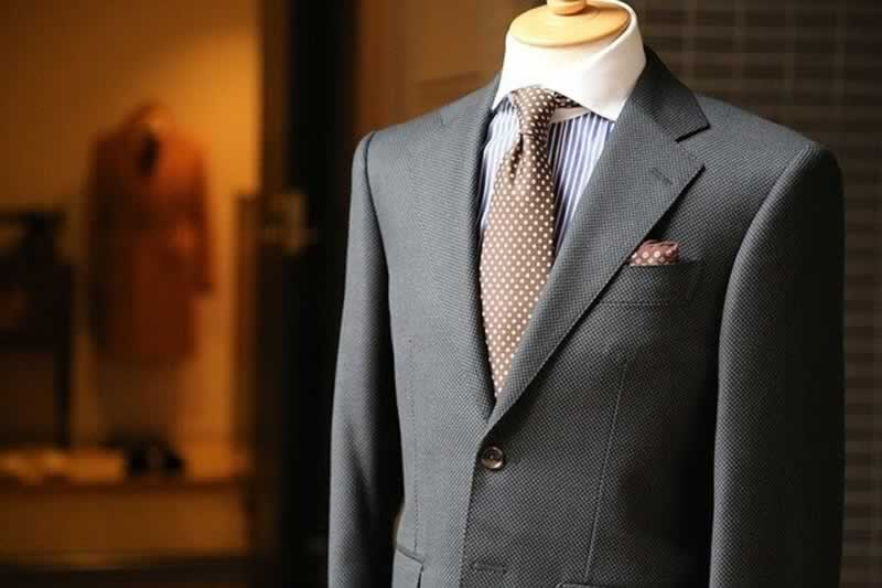 The Top 4 Benefits Of Using A Tailor-Made Wardrobe - suit