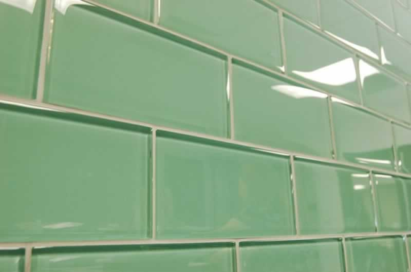 Top reasons to choose glass tiles in 2021