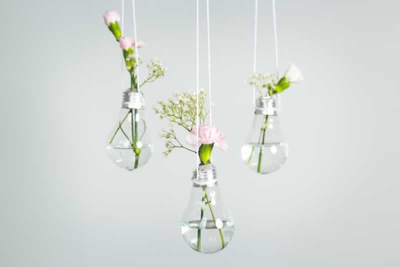 6 DIY Projects That You Can Easily Build - hanging bulbs