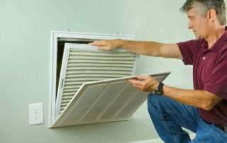 6 Signs That You Should Change The Air Filters In Your Air Conditioner - changing filter