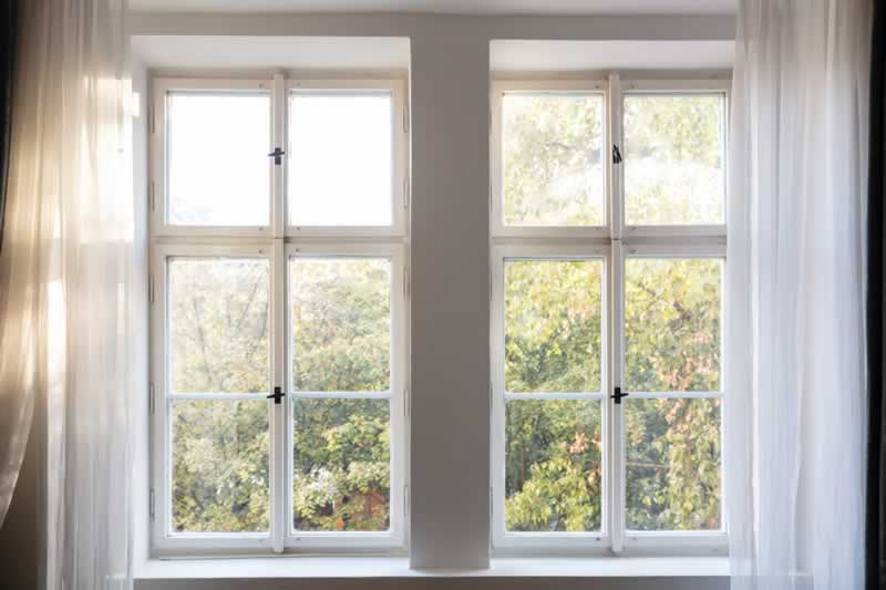6 Signs You Need To Replace Your Home's Glass Windows