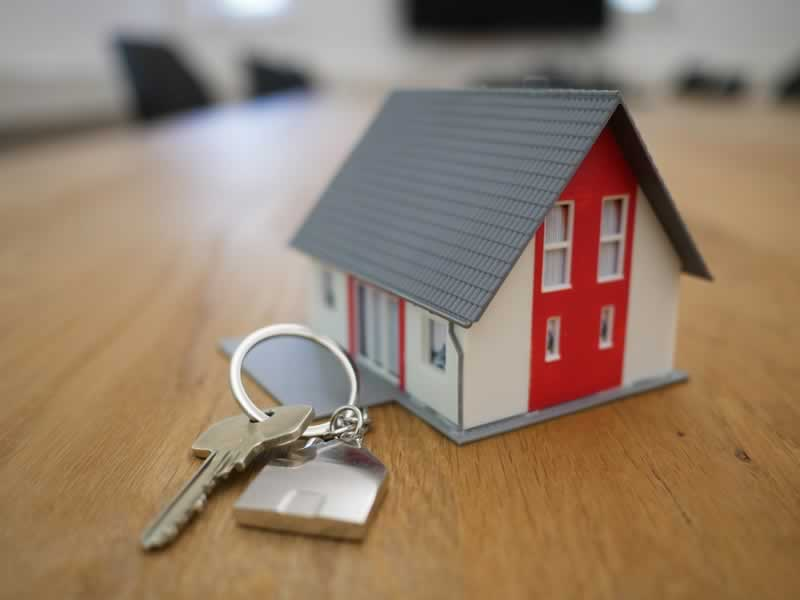 6 Useful Tips On Where To Buy Your Next House - keys