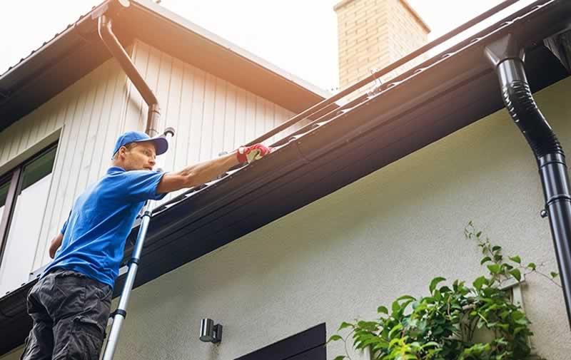 7 Roof Maintenance and Repair Tips | Handyman tips