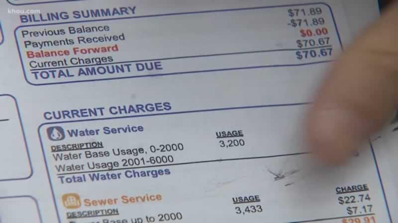 7 Signs Of A Hidden Bathroom Water Leak - bill