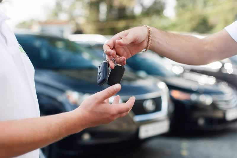7 Things You Need to Prepare When Applying for a Car Loan - car keys