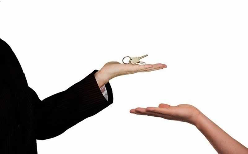 Buying Or Selling A Home - keys