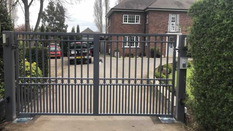 Elegant and Stylish Wrought Iron Gates Adds Security for Your Home - iron gate