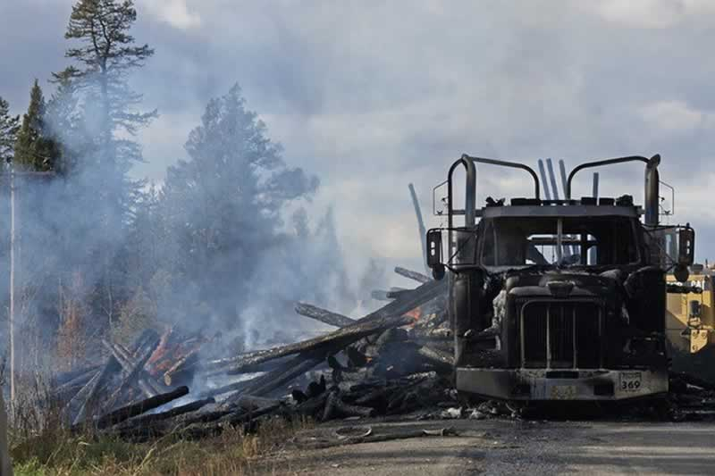 How To Avoid Truck Accidents And What To Do After They Happen - burned truck