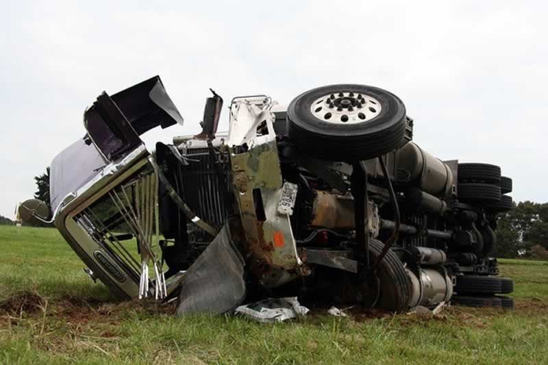 How To Avoid Truck Accidents And What To Do After They Happen