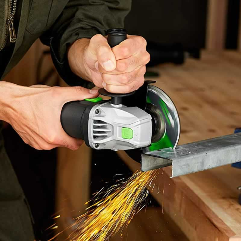How To Use 4,5 Inch Angle Grinder - cutting metal