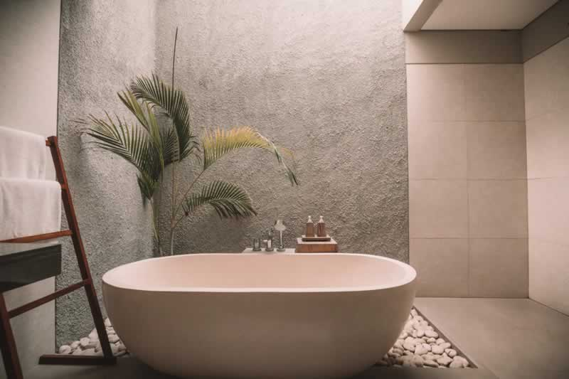 Tips To Help You Redo Your Bathroom The Right Way - bathtub