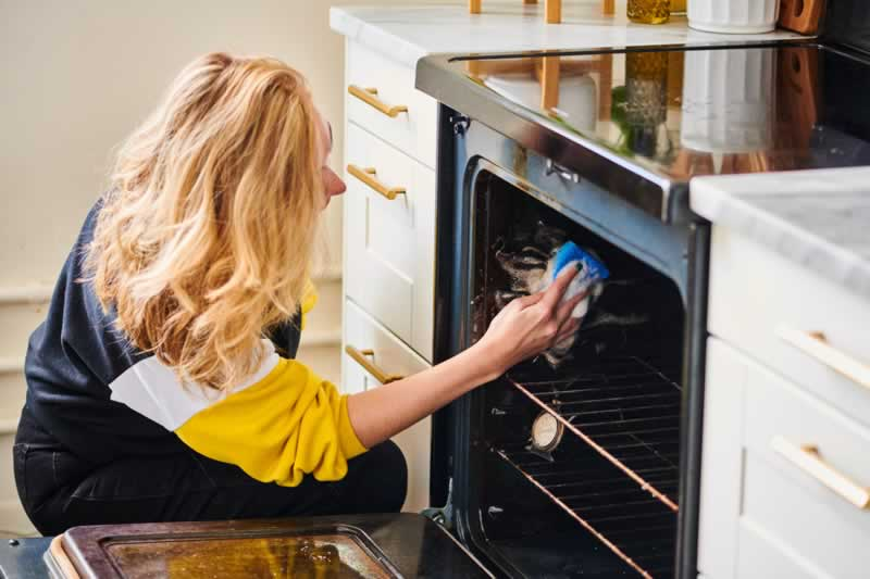 Tips for Ensuring the Safety of Your Oven and Avoiding the Need for Repairs - cleaning