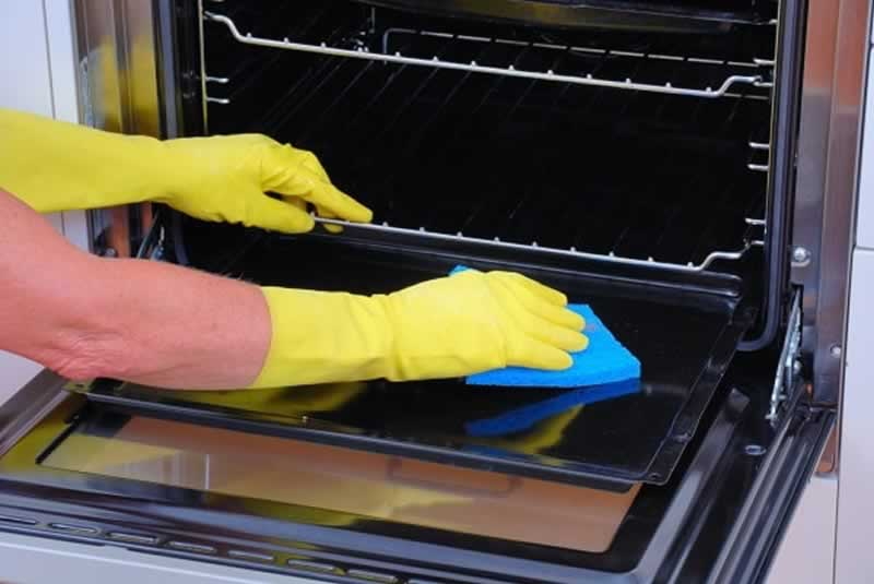 Tips for Ensuring the Safety of Your Oven and Avoiding the Need for Repairs