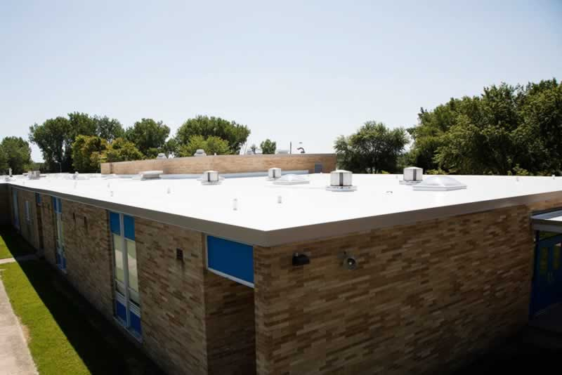 Top 5 Benefits of Flat Roof Installation for Your Business - flat roof