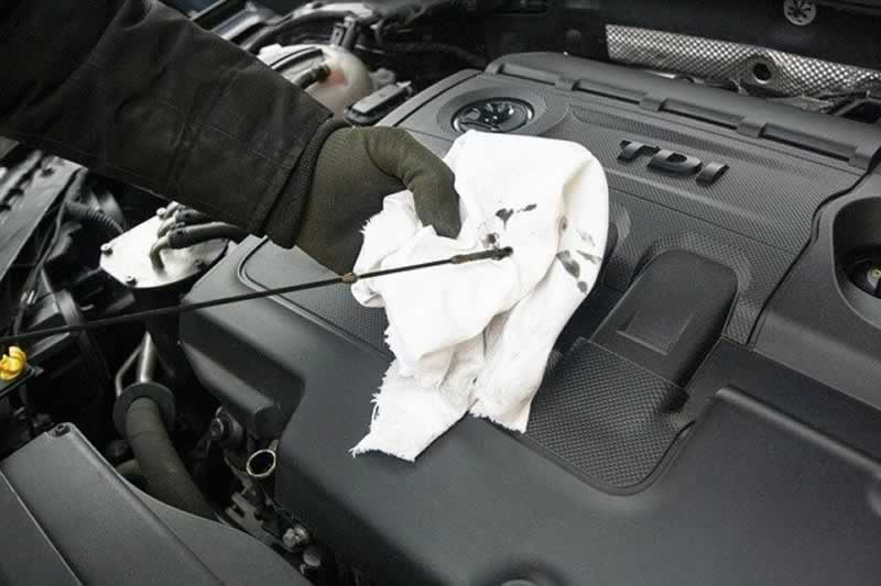 6 Car Maintenance Issues That Any Handyman Can Fix